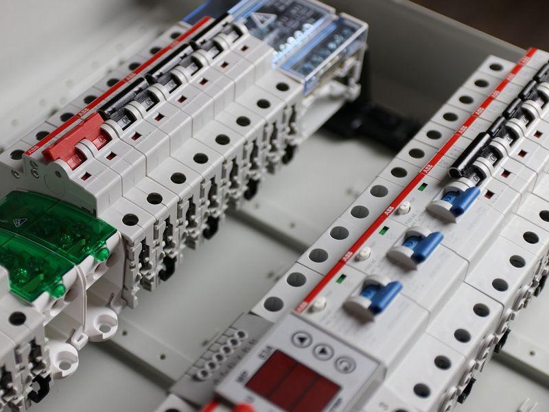 巡回点検不要!LoRa無線で工場内設備の漏電監視!