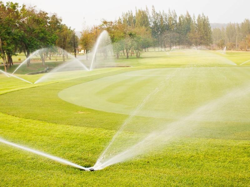 ゴルフ場の散水制御をLoRa無線機で事務所から遠隔起動!